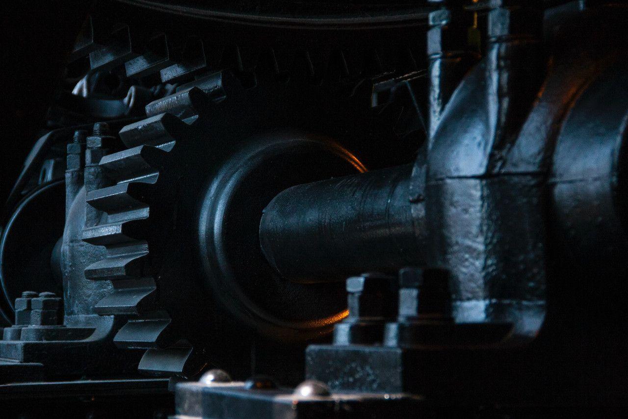 Großes schwarzes Industriegetriebe