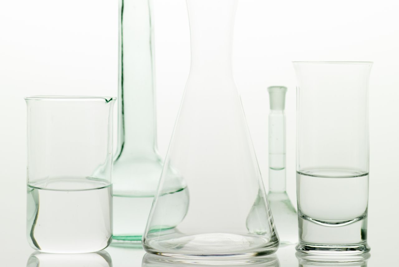 Reagenzgläser mit durchsichtiger Flüssigkeit